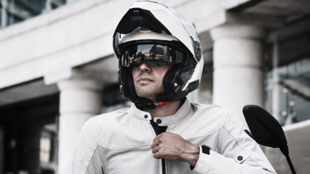 Trouvez le casque modulable qu'il vous faut pour rouler à moto !